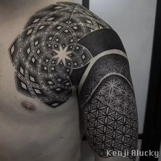 15 Breath-Taking Sacred Geometry Tattoos | Tattoodo