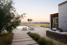 2016 Best of Design Award-winning Landscape > Private: Modern Vineyard by Jeffrey Gordon Smith Landscape Architecture. Unique Architecture, Landscape Architecture, Landscape Design, Garden Design, Modern Patio, Modern Landscaping, Love Garden, Garden Pool, Outdoor Spaces