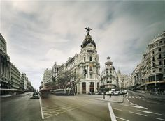 Today Madrid is a big city, nothing similar to the city I knew when I was a Young boy and walk round its street. Places To Travel, Places To Go, City Landscape, Great Photographers, Big Ben, Places Ive Been, Louvre, Architecture, Travelling
