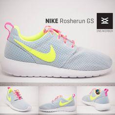 NEW IN! Der Nike Rosherun (GS) in Platin  Erhältlich in den Größen von 36 (US4Y) bis 40 (US7Y) Preis: 64,95€  http://www.sneakerbox.me/Rosherun-GS-PRPLTN-VOLT   #nike #nikerosherun #rosherun #sneakerbox #sneakerboxseligenstadt #insneakerswetrust #sneakerslove #lovesneakers #nikelove #lovenike #sneakersoftheday #girlsinsneakers