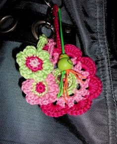 Made by Marian. Keychain or a bag charm. I used a free pattern that you can find on my board 'Crochet - Flowers, plants and leaves'.