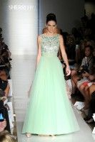 Kendall & Kylie Take Fashion Week! – Khloe Kardashian official web site