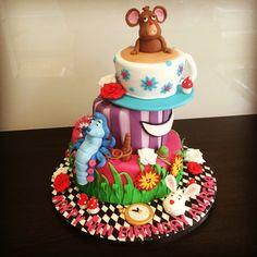 Alice & wonderland Topsy Turvy Cake by Victoria Defty Couture Cakes! Alice In Wonderland Cakes, Couture Cakes, Cake Designs, Designer Cakes, Birthday Cake, Victoria, Desserts, Food, Cake Templates