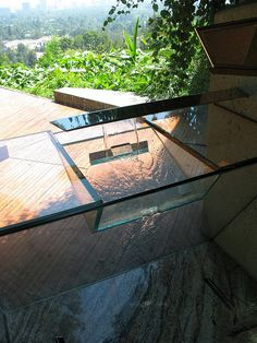John Lautner, Goldstein House, Glass Sink in Master bathroom with views of the canyon