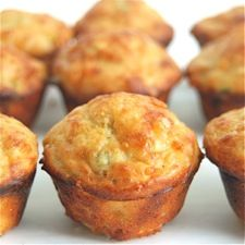 Spicy Jalapeño-Cheddar Mini Muffins – a quick and easy appetizer, or a tasty accompaniment to soup and chili.