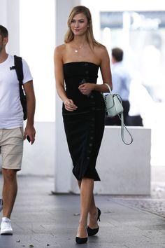 Karlie Kloss  #KarlieKloss Out in Sydney 31/01/2017 Celebstills K Karlie Kloss