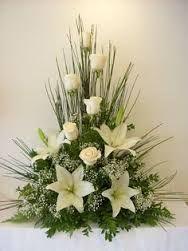 Symmetrical floral arrangement containing white roses Arrangements Funéraires, Funeral Floral Arrangements, Church Flower Arrangements, Beautiful Flower Arrangements, Beautiful Flowers, Simply Beautiful, Beautiful Pictures, Altar Flowers, Church Flowers