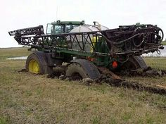 Stuck JOHN DEERE Sprayer