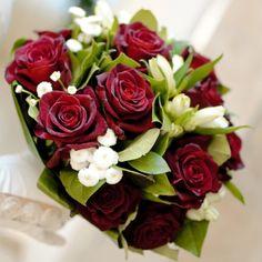 Black Magic Bridal Bouquet - Black Magic Bridal Bouquet > View Full-Size Ima... | Bouquet, Magic, White, Black, Lisianthus | Bu http://www.bunchesdirect.com/index.php/Wedding-Flowers/Black-Magic-Bridal-Bouquet/flypage.tpl.html
