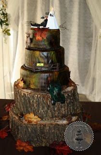 camo cake - grooms cake idea? sooo cute!   I would do this for just a wedding cake if it was for my dream wedding