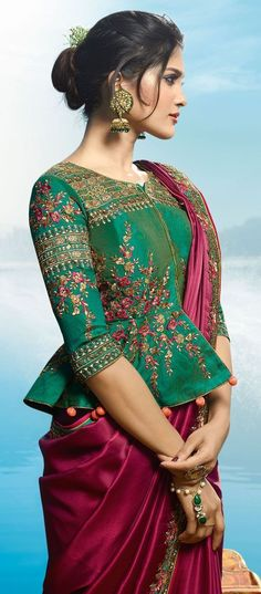silk saree blouse designs is very simple blouse designs.his blouse designs are very simple to use. mostly lady Silk saree blouse use for India and any other country.seen by silk saree blouse designs catalogue Silk Saree Blouse Designs, Saree Blouse Patterns, Designer Blouse Patterns, Fancy Blouse Designs, Blouse Neck Designs, Designer Saree Blouses, Indian Blouse Designs, Latest Blouse Designs, Choli Blouse Design