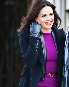Once Upon A Time season 4 finale ; on set. Oh my god that smile ♡