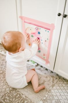 Activities To Try If You're Stuck At Home With Your Kids During Coronavirus - The Mama Notes Baby Sensory Bags, Baby Sensory Play, Sensory Activities, Baby Play, Infant Activities, Activities For Kids, Sensory Wall, Sensory Boards, Infant Classroom