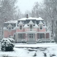 World Market Picks Beautiful pink Victorian house with curb appeal Beautiful pink Victorian house with curb appeal Victorian Architecture, Beautiful Architecture, Beautiful Buildings, Beautiful Homes, Architecture Design, Dreamhouse Barbie, Pink Houses, Old Houses, Dream Houses
