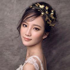 Hot New fashion Vintage Tiara gold leaves Crown Bridal Headband Princess Diadem, Hair Jewelry Gift Wedding Dress Accessories - http://fashionfromchina.net/?product=hot-new-fashion-vintage-tiara-gold-leaves-crown-bridal-headband-princess-diadem-hair-jewelry-gift-wedding-dress-accessories