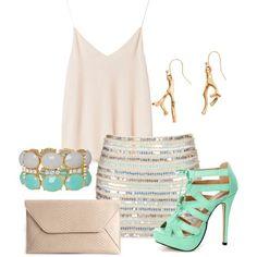 Falda de lentejuela y clutch son la combinación perfecta para verano. Busca más combinaciones ideales en http://www.1001consejos.com/moda