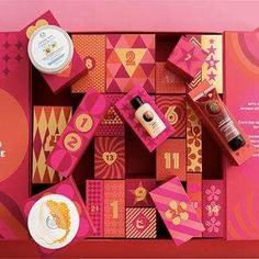 Packaging O.o Product Reveal – Ultimate Advent Calendar- The Body Shop Tropical Home Decor Article B Packaging Snack, Cake Packaging, Beauty Packaging, Packaging Design, The Body Shop, Christmas Gift Box, Christmas Gifts, Beauty Calendar, Tea Brands