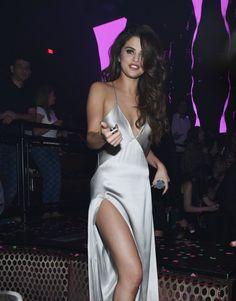 Pin for Later: Selena Gomez Fête le Début de Sa Tournée Avec une Soirée à Las…