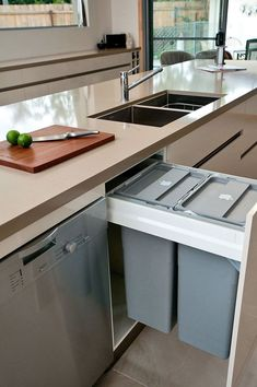 Kitchen Design Idea - Hide Pull Out Trash Bins In Your Cabinetry // Having the pull out trash bins right next to the sink and dishwasher makes it easy to scrape left over food into the garbage then load them into the dishwasher. Diy Kitchen, Vintage Kitchen, Kitchen Decor, Kitchen Bins, Awesome Kitchen, Kitchen Storage, Kitchen Ideas, Modern Kitchen Design, Interior Design Kitchen