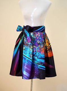 Skladaná zavinovacia sukňa unikátna svojim dizajnom. Viac o vzniku a pôvode sa dočítate TU Materiál - 100...