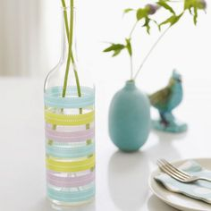 Do you know what is washi tape? Have you ever decorated your favorite things with washi tape? This time we will provide a reference to the use of creative washi tape and is very suitable for those … Old Wine Bottles, Empty Bottles, Wine Bottle Crafts, Glass Bottles, Glass Vase, Liquor Bottles, Wine Glass, Diy Simple, Easy Diy