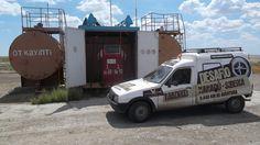 De camino a Almaty, Carlos se ha encontrado gasolineras de este tipo... algo estrañas. Si quieres informarte más acerca del Desafío Madrid Xanadu-Siberia entra en el blog. http://www.madridxanadu.com/blog/index.php/category/desafio-xanadu-siberia/