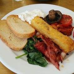 The full breakfast at Flinderz, Hillarys – a plate packed with top class ingredients   Morsels