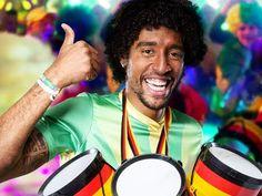 Mediamarkt präsentiert mit Dante das ComBinho zur WM 2014