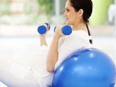 Ejercicios con pelota de yoga