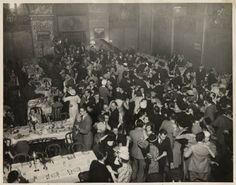 April 7th is National #Beer Day! (Who knew?) It is an unofficial holiday celebrating the end of prohibition.   Check out this great photo of a large group at the Senator Hotel in Sacramento celebrating the return of beer in 1933.