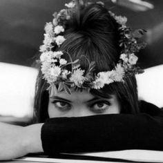 Anna Karina, daisy chain.