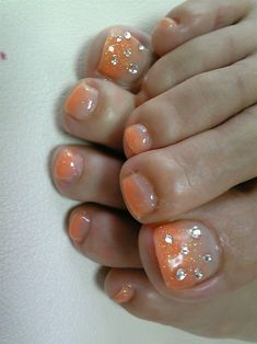 Looks kind of cool, maybe better even without rhinestones Nail designs: Toe nail art designs