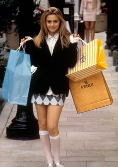 Cher Horowitz' Clueless outfits fashion clueless Here are the 15 best outfits Cher Horowitz wore in Clueless Cher Horowitz, Clueless Fashion, 90s Fashion, Fashion Outfits, Fashion Trends, Cher Clueless Costume, Clueless 1995, Cher From Clueless, Dionne Clueless Outfits