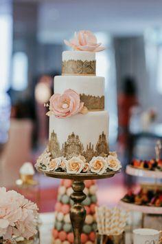 Samantha and Dwayne's Magical JW Marriott Wedding - SingaporeBrides Wedding Desserts, Wedding Cakes, Hotel Wedding, Wedding Day, Bridal Entourage, Company Dinner, Europe Holidays, Take The Cake, Big Flowers