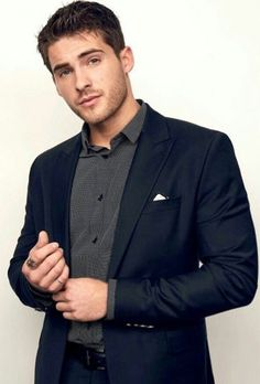 Cody Christian, Beautiful Men Faces, Gorgeous Men, Pretty Little Liars, Teen Guy, Tv Show Music, Actor Model, Classic Outfits, Good Looking Men