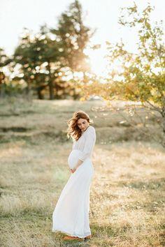 Maternity wedding dress with elbow sleeve cotton bodice - F a m i l y & S t o r i e s - Schwanger