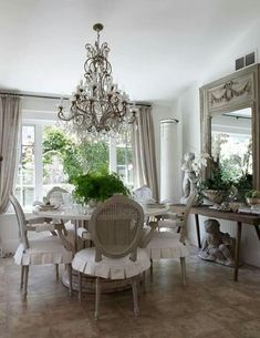 47 french country dining room decor ideas The task involving planning accessories and also home French Country Dining Room, French Country Kitchens, French Country Cottage, French Country Style, French Interior, French Decor, French Country Decorating, Country Style Homes, Country Furniture