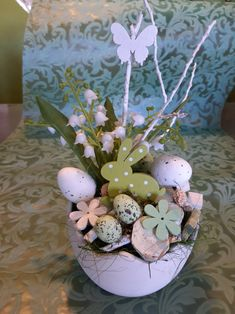 Egg Art, Egg Decorating, Decoupage, Sweet Home, Bouquet, Eggs, Seasons, Spring, Instagram