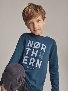 Menino T shirts and polo shirts Teenage Girl Outfits, Boy Outfits, Teenage Clothing, Clothing Ideas, T Shirt, Polo Shirt, Graphic Sweatshirt, Kids Photography Boys, Boyish