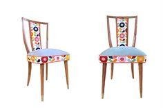 10 modelos de sillas para tu comedor Juego 6 de sillas americanas de madera maciza de Petiribí con regatones de bronce (cons. precio, Laboratorio de Objetos) / Labobjetos.com.