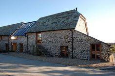 Maer Barn, Bude, Cornwall : Modern houses by The Bazeley Partnership