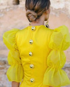Do you have superstitions about this color for a celebration? Sleeve Designs, Blouse Designs, Designer Wear, Designer Dresses, Designs For Dresses, Frock Design, African Fashion Dresses, Types Of Fashion Styles, Beautiful Dresses