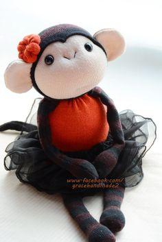 Grace--#332 sock monkey                                                                                                                                                                                 Más