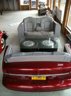 Lincoln car couch, this is awesome.... would be perfect for a bachelors pad!