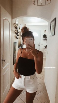 Best Inspirational Cute Trendy Casual Outfits For This Summer - Page 13 of 85 - Diaror Diary Source by diarordiary Outfits verano Cute Casual Outfits, Cute Summer Outfits, Spring Outfits, Vetement Fashion, Teenage Outfits, Neue Outfits, Mode Vintage, Outfit Goals, Outfit Ideas