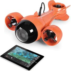 There's a whole world under the waves and you can get a good look at it with the Submarine Camcorder and your iPad. You might not be able to fit inside this tiny little sub but that's not a problem because you'll feel like you're actually in the underwater world, thanks to th
