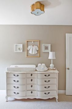 Like the width of this changing table so that you could add a lamp and decorative tray for necessities
