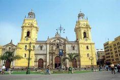 La Catedral de Lima es, a pesar de sus múltiples transformaciones, una verdadera muestra de arte colonial.
