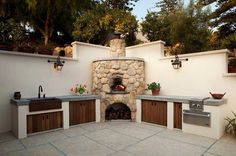 Astonishing Outdoor Kitchen Design and Decorations in Cozy Styles: Beautiful Corner Pizza Oven Design In Outdoor Space Decorated With Stone Oven Decor Ideas Finished With Traditional Style For Home Inspiration ~ CLAFFISICA Kitchen Inspiration Outdoor Kitchen Sink, Outdoor Kitchen Design, Outdoor Kitchens, Patio Design, Pizza Oven Outdoor, Outdoor Cooking, Outdoor Bars, Parrilla Exterior, Built In Grill