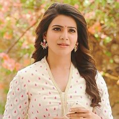 Samantha Akkineni is an Indian actress and model who works primarily in Tamil and Telugu films.But,why samantha is not signing movies? Samantha Images, Samantha Ruth, South Actress, South Indian Actress, Tamil Actress, Bollywood Actress, Bollywood Heroine, Bhojpuri Actress, Sonam Kapoor